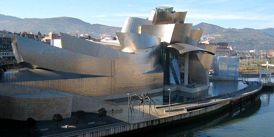 Guggenheim_Bilbao_2_550